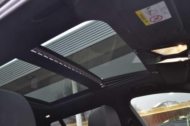BMW 5 Serie 530i High Executive M-Sport / Pano Dak / ACC / Hud afbeelding 12