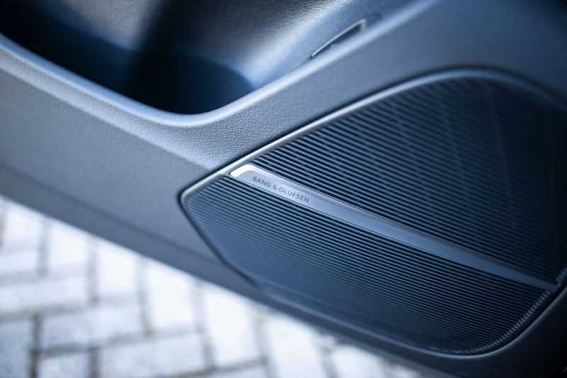 "Audi RS Q8 4.0 TFSI Quattro *RS-Dynamic Plus / Keramisch / Massage / HUD / 23"" / B&O* afbeelding 17"