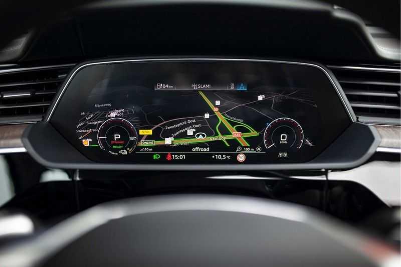 "Audi e-tron 55 Quattro *4% Bijtelling / Massage / HUD / Pano / 21"" / Hulppakket Stad & Tour* afbeelding 2"