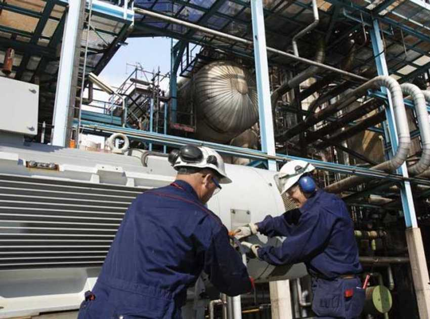 Accruent - Resources - Blog Entries - 3 Elements of Maintenance Success in the Chemical Industry - Hero