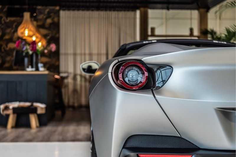 Ferrari Portofino 3.9 V8 HELE | Carbon | Alcantara | Homelink | Camera | afbeelding 6