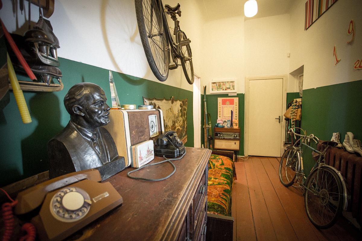 Комната в«Арткоммуналке», где останавливался Венедикт Ерофеев. Источник: artkommunalka.com