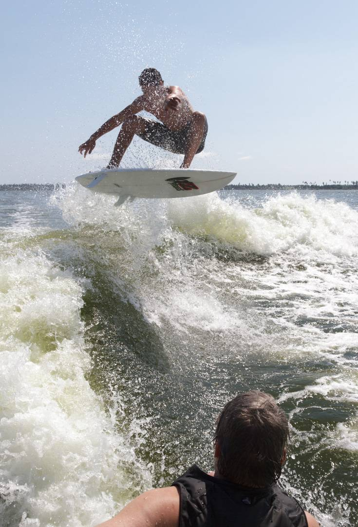 Wakesurf jump