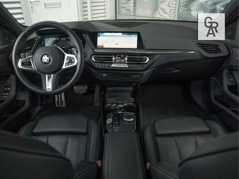 BMW 1 Serie M135i xDrive High Executive afbeelding 8