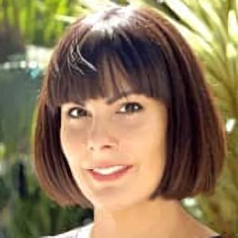 Headshot of Jen Dewalt