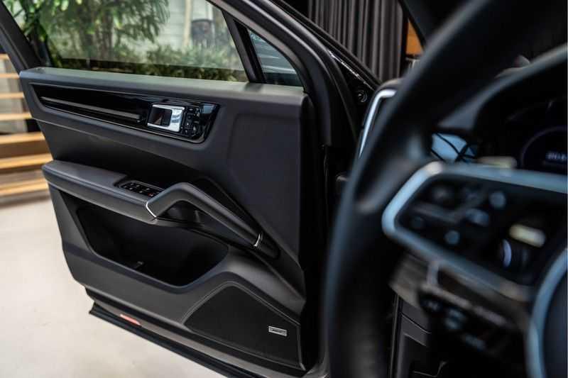 Porsche Cayenne Coupé 3.0 | BOSE | Adaptieve luchtvering | Led-Matrix | Licht Design pakket afbeelding 10