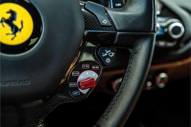 Ferrari 488 3.9 GTB HELE | Carbon | Passenger Display | Lifting | NP350.000,- afbeelding 10