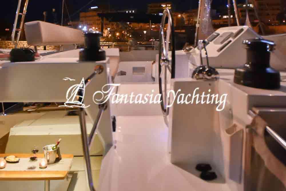 catamaran 28