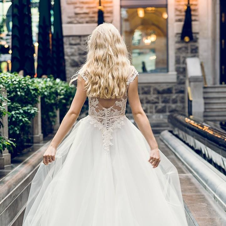 robe de mariee princess dentelle montreal corset haute couture lilia
