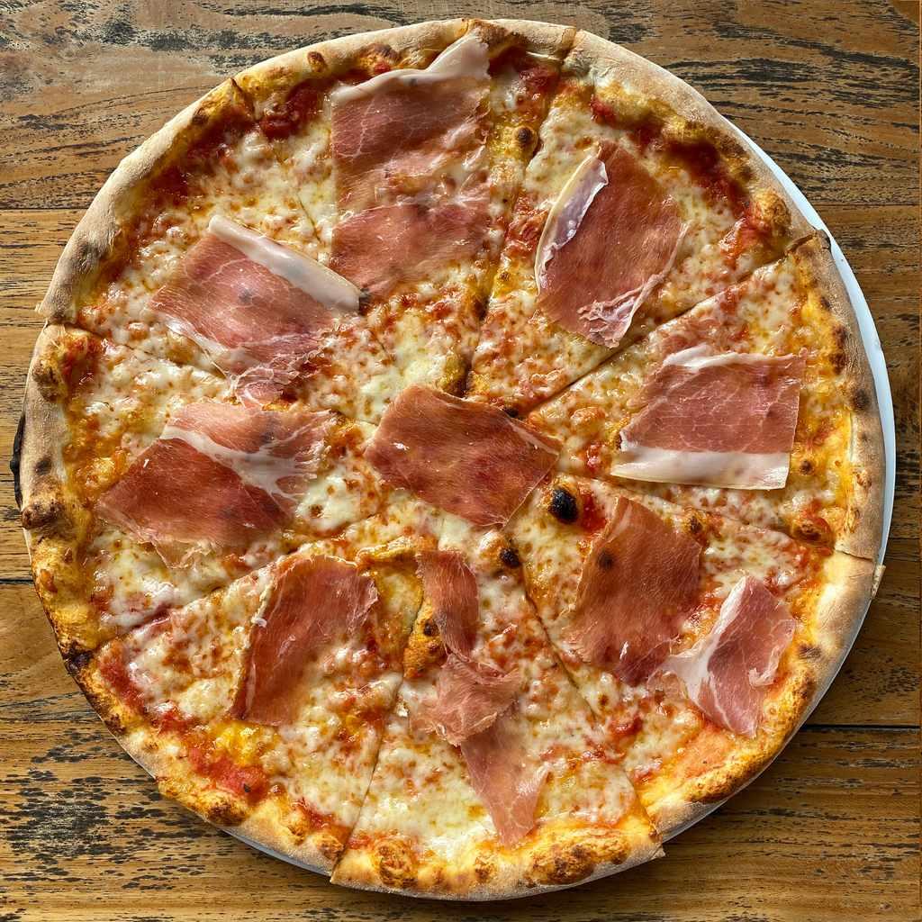 pizza: parma