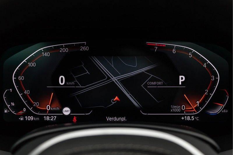 "BMW X5 M40i xDrive 340pk Panoramadak VirtualCockpit ShadowLine Sportleder+Memory Head-Up HarmanKardon Luchtvering Laserlicht AmbientLight Keyless Sportuitlaat 22"" 360Camera ParkAssist Pdc afbeelding 21"