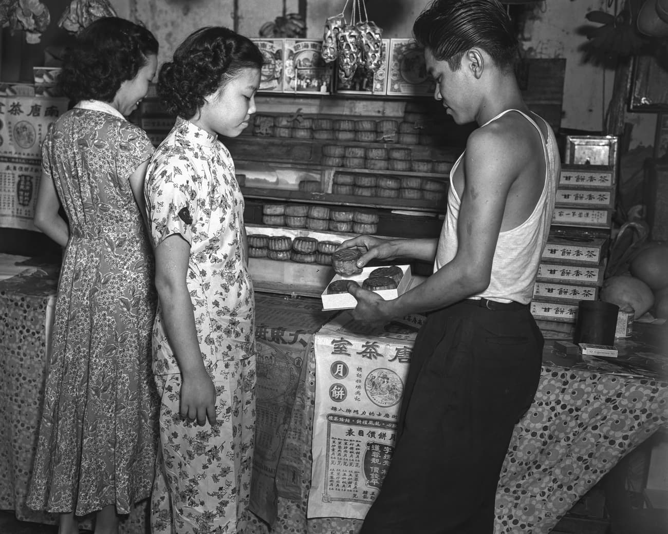Buying mooncakes for Mid-Autumn Festival, 1951