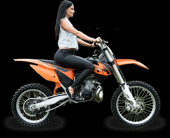 Motogirl na teréní motorce