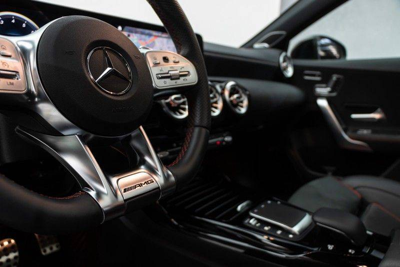 "Mercedes-Benz A-Klasse A35 AMG 306pk 4Matic AeroPack Panoramadak Nightpakket Schaalstoelen+Memory Widescreen Burmester AmbientLight Multibeam RideControl SuperSportStuur ComandOnline Full-Led 19"" Parktronic Camera Pdc afbeelding 19"