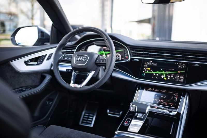 "Audi Q8 55 TFSI E Hybride Quattro *S-Line / B&O / Pano / 23"" / Black Pack / ACC* afbeelding 2"
