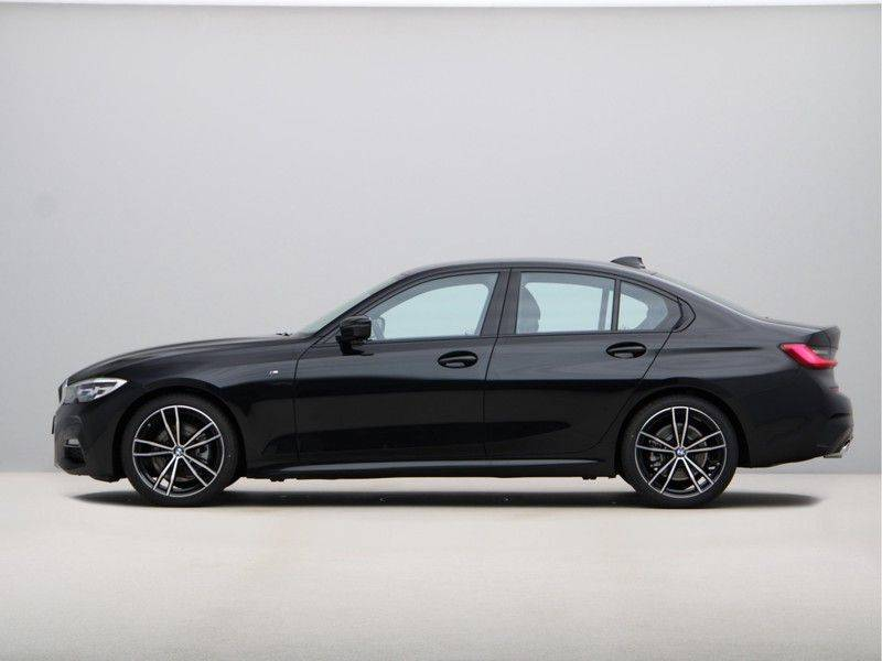 BMW 3 Serie 320i High Exe M-Sport Aut. afbeelding 12