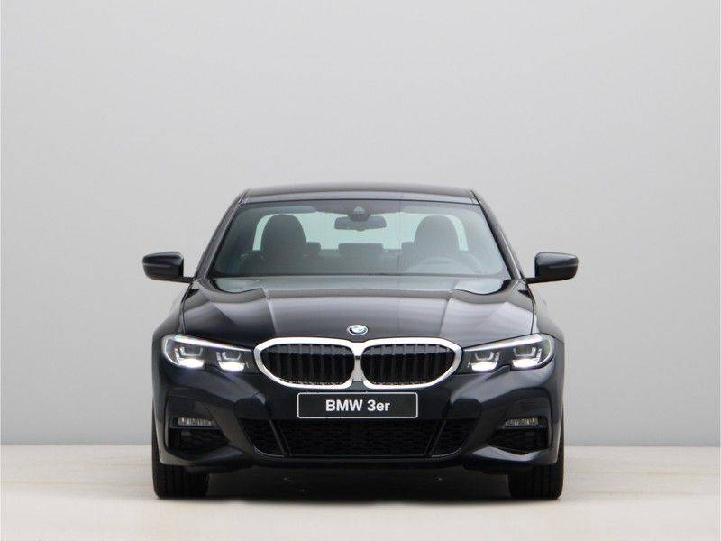 BMW 3 Serie 320i High Exe M-Sport Aut. afbeelding 6