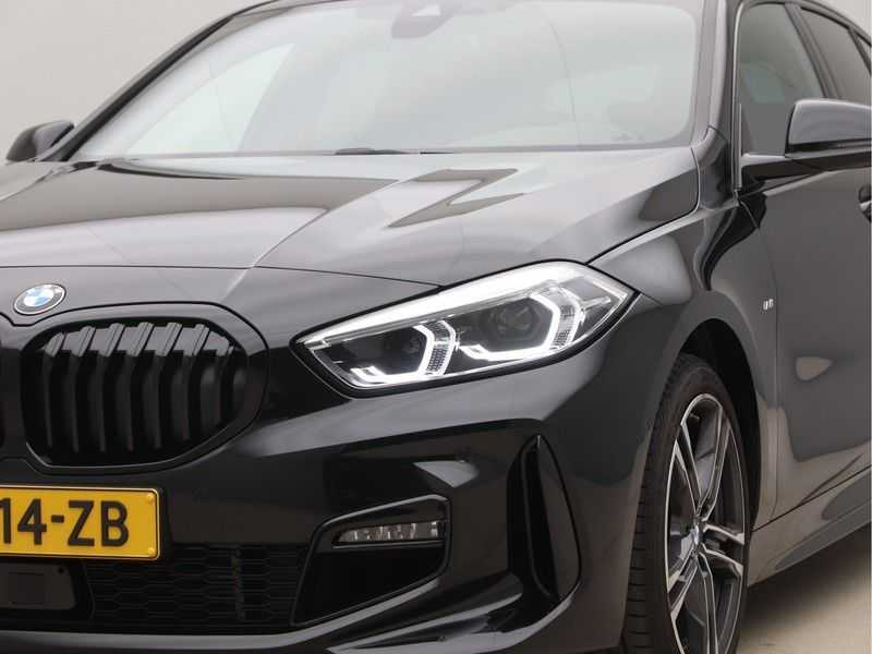 BMW 1 Serie 120i High Exe M-Sport Aut. afbeelding 21