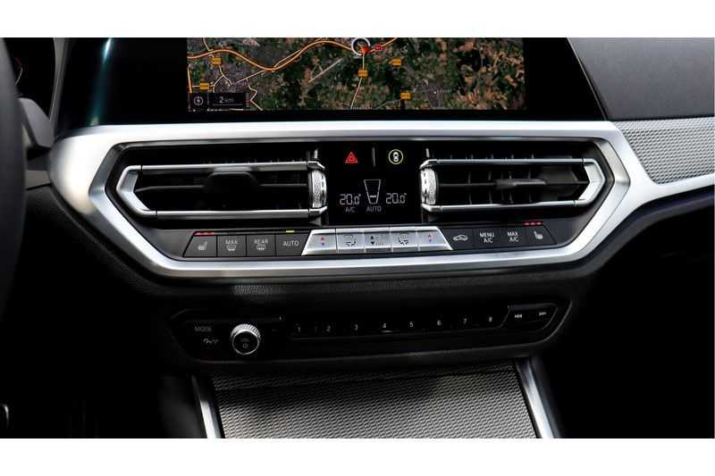 BMW 3 Serie Touring 330i Executive M Sport Driving Assistant Plus, HiFi, Comfort Access afbeelding 12