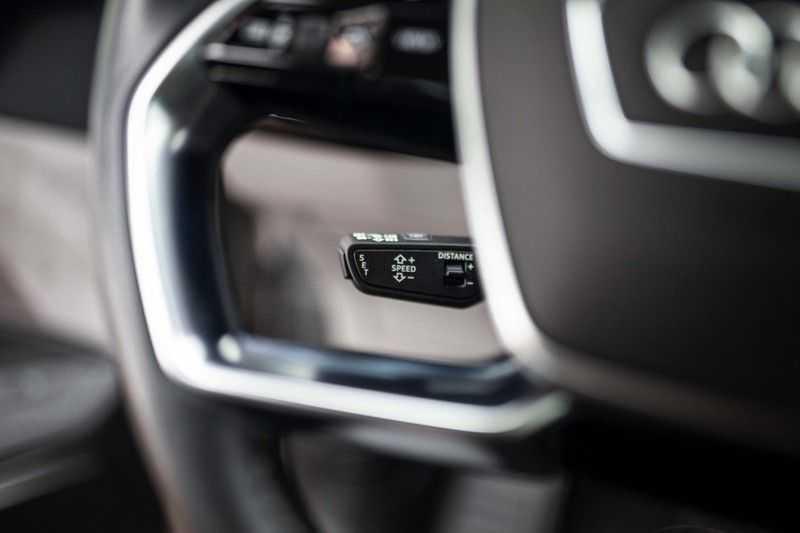 "Audi e-tron 55 Quattro *4% Bijtelling / Massage / HUD / Pano / 21"" / Hulppakket Stad & Tour* afbeelding 7"