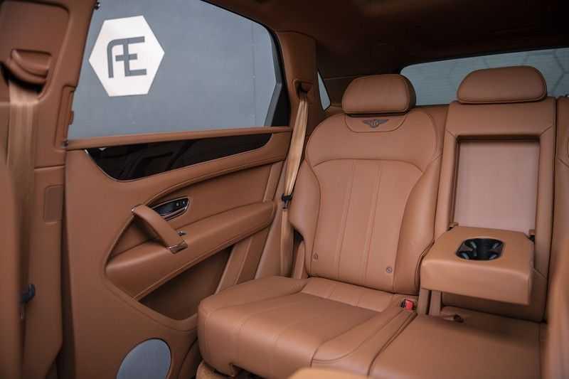 Bentley Bentayga 4.0 D (BTW AUTO) Elektrische trekhaak + Apple Carplay + Adaptive Cruise + Nachtzicht + Werkelijk in nieuwstaat afbeelding 17