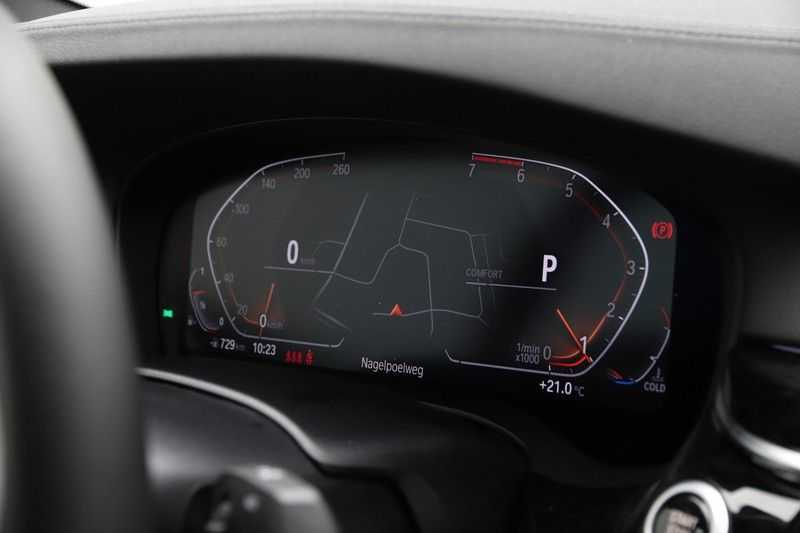 BMW 5 Serie 520i High Exe Luxury Line afbeelding 4