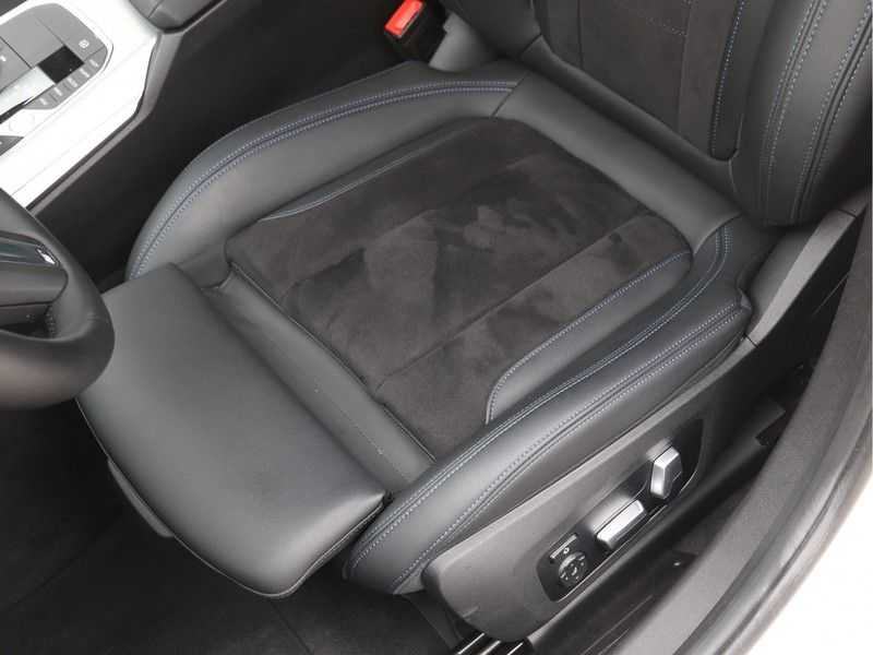 BMW 3 Serie Touring 330e xDrive Exe M-Sport Hybrid afbeelding 14