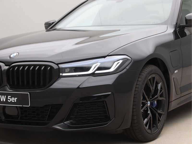 BMW 5 Serie 520e Sedan High Exe M-Sport Hybrid afbeelding 22