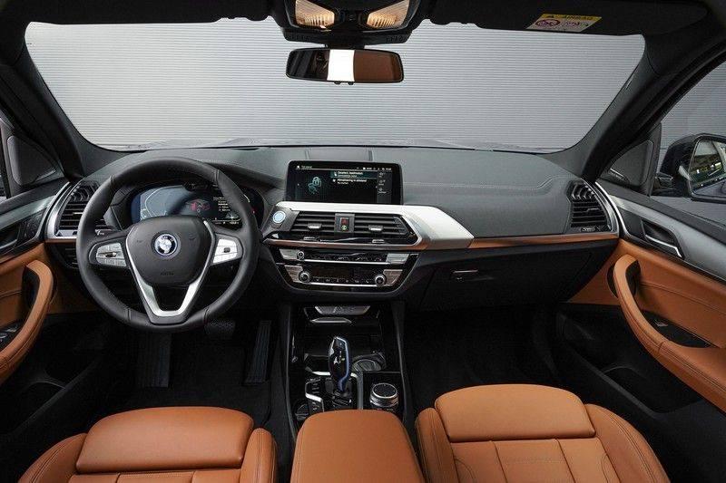 BMW iX3 High Executive Trekhaak Direct leverbaar afbeelding 2