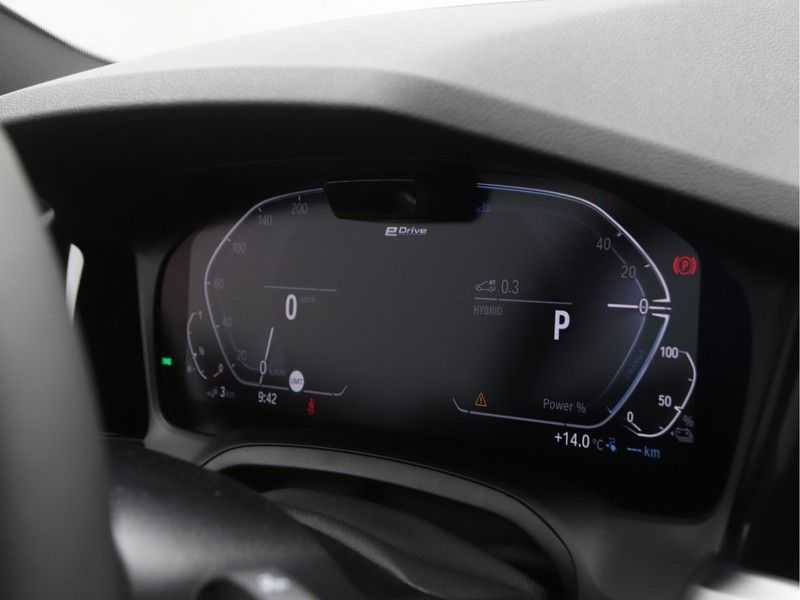 BMW 3 Serie 330e High Exe M-Sport Aut afbeelding 8