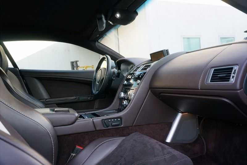 Aston Martin DBS 6.0 V12 afbeelding 2