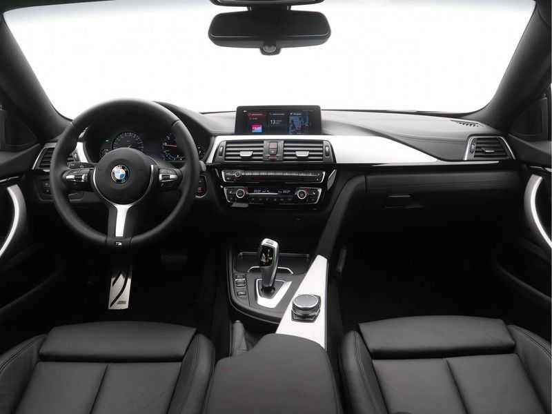 BMW 4 Serie Gran Coupé 418i High Executive M-Sport Automaat afbeelding 4