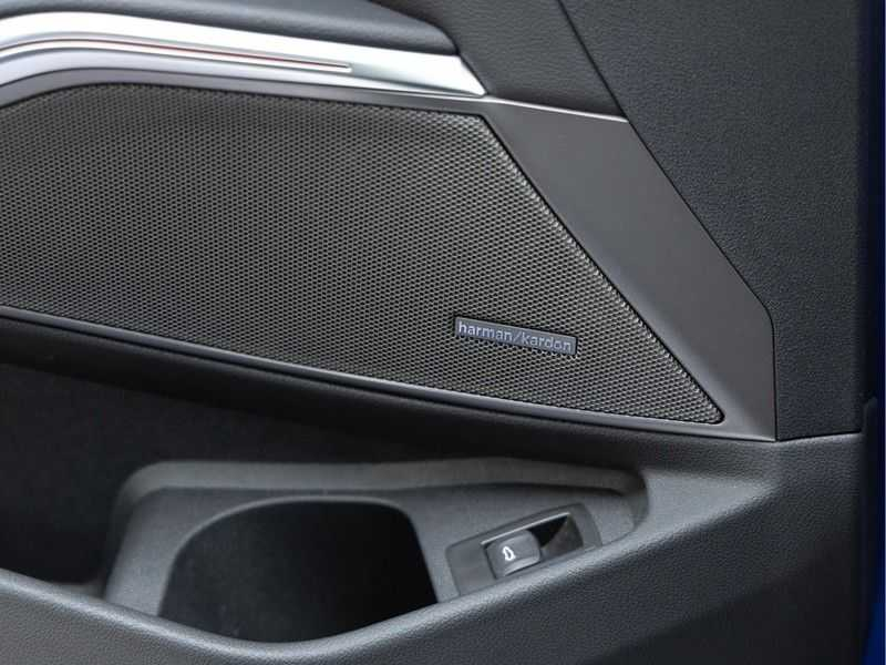 BMW 3 Serie Touring 330i M-Sport - Panorama - Trekhaak - DAB - Harman Kardon afbeelding 21