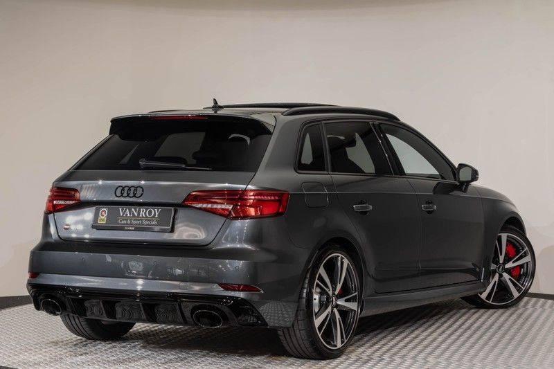"Audi RS3 Sportback 2.5 TFSI 400pk Quattro Panoramadak BlackOptic B&O Sportstoelen Led-Matrix Navi/MMI DriveSelect Carbon ACC Keyless Camera 19"" Pdc afbeelding 9"