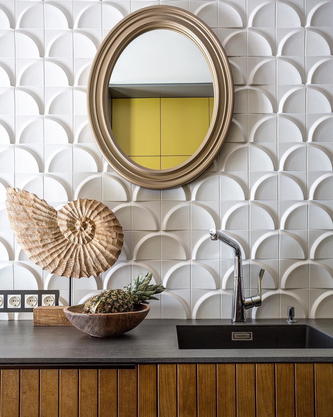 Make Interiors | Друзья, проект #tropical_holiday65 появился и в электронной версии журнала @elledecorationru ✨ Ссылка в шапке нашего профиля☝🏻Очень любимый нами кадр кухни в исполнении @evgeniikulibaba 📸