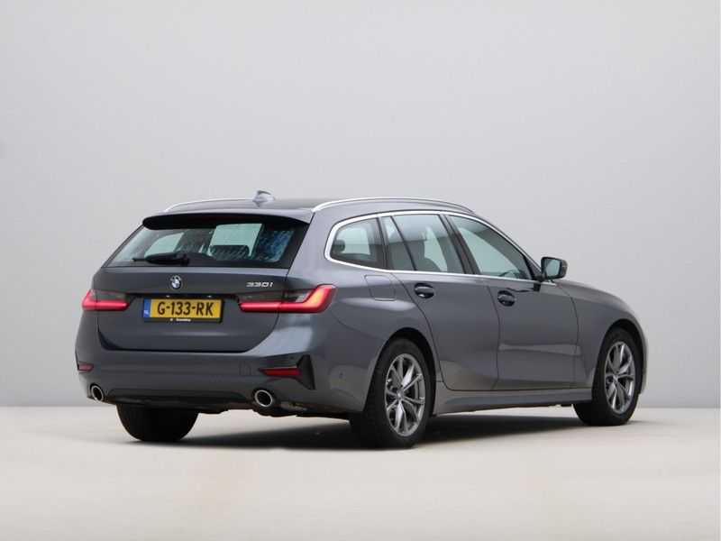 BMW 3 Serie Touring 330i Executive Edition afbeelding 8