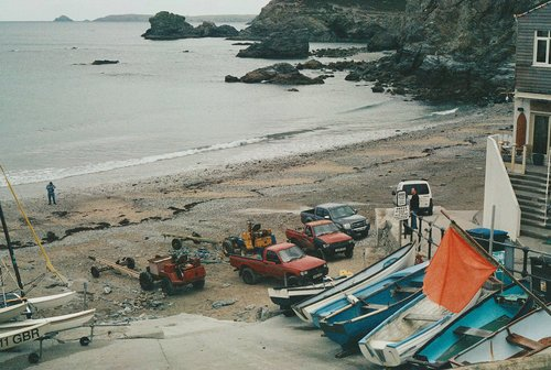 Boats and 4x4s at St Agnes Beach (Trevaunance) 5a