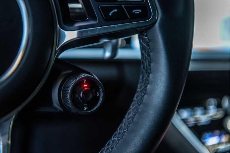 Porsche Panamera Sport Turismo 4.0 GTS   Innodrive   Panorama   Burmester   Head Up Display   NP 229.000 afbeelding 24
