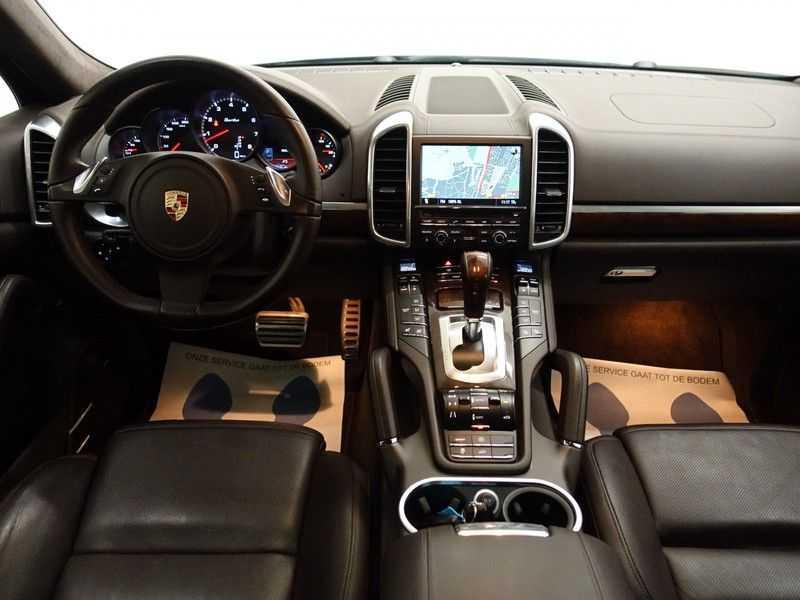 Porsche Cayenne 4.8 Turbo Sport Plus 500pk - Schuifdak, Keramisch, Full , Nw Prijs: €207.624 afbeelding 16
