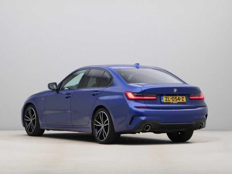 BMW 3 Serie 320i High Exe M-Sport Aut. afbeelding 14