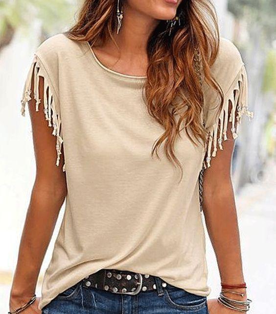 T-shirt à franges sur les manches