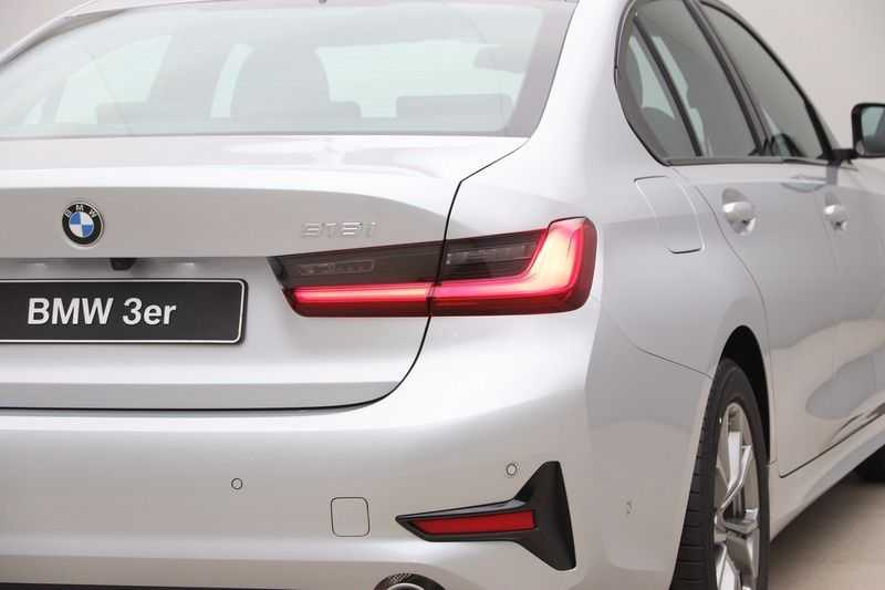 BMW 3 Serie 318i Sedan Exe Sportline Aut. afbeelding 15