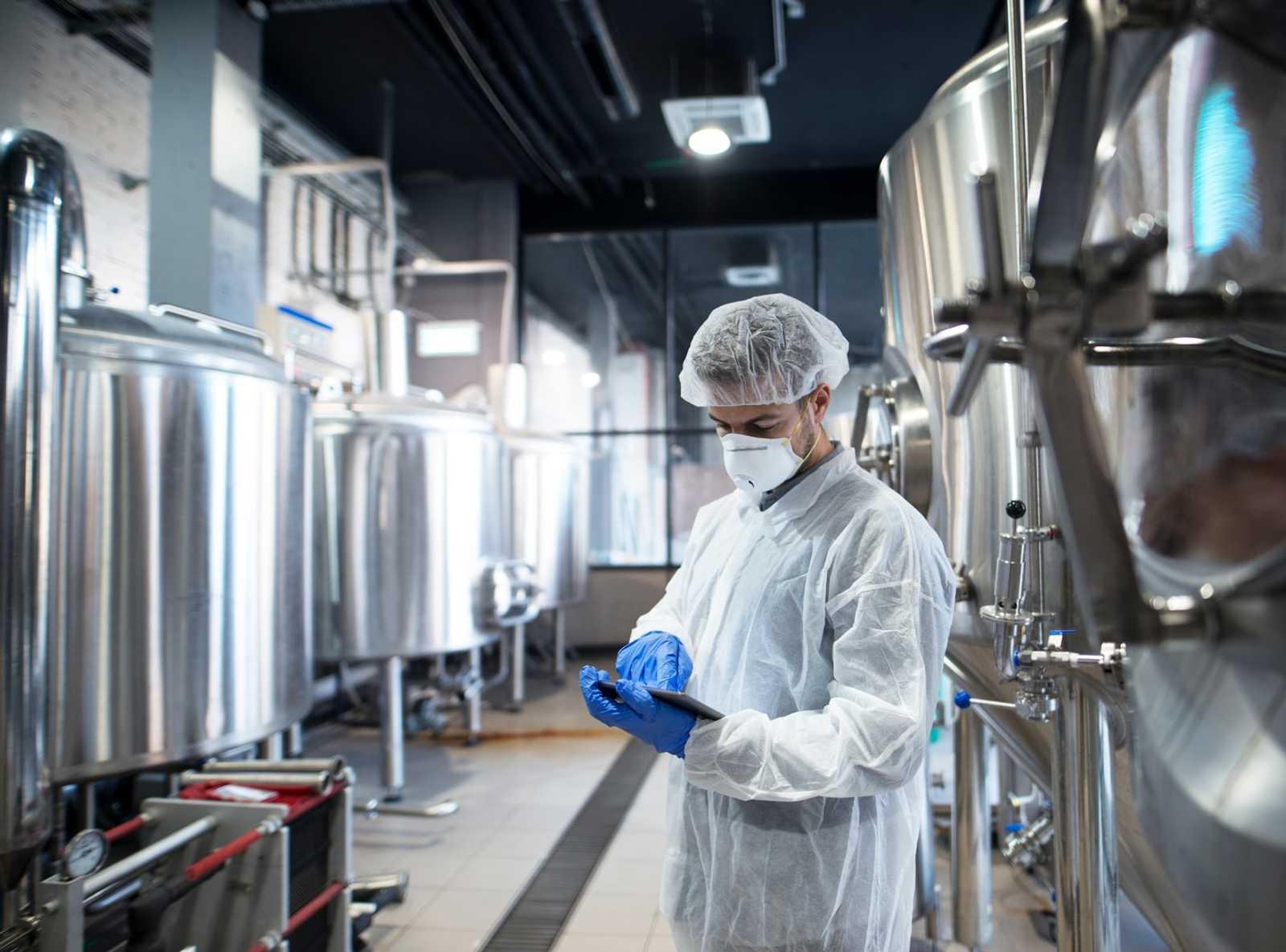 Accruent - Resources - Webinars - Why Food and Pharma Companies Move to the Cloud - Hero