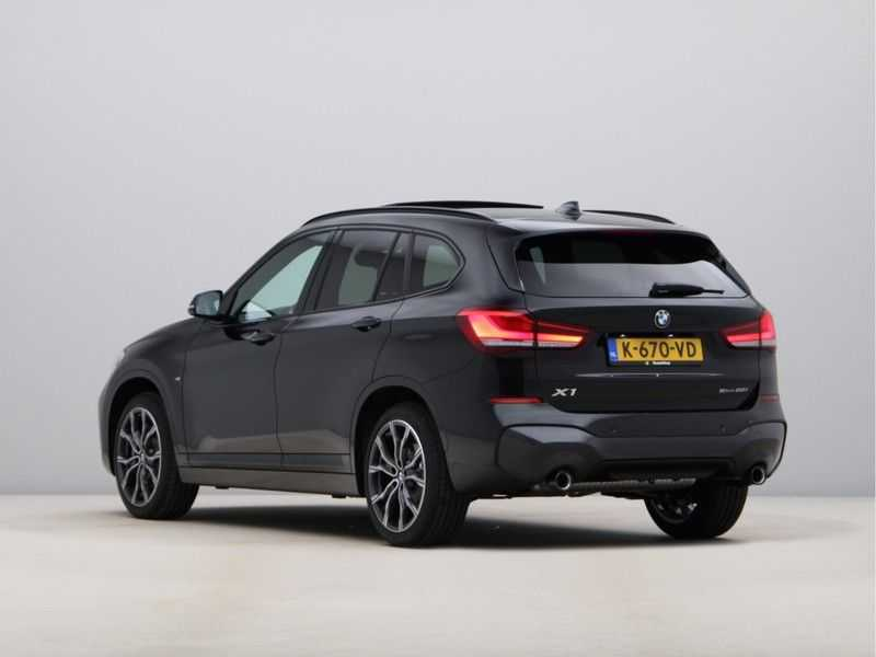 BMW X1 sDrive20i High Exe M-Sport Aut. afbeelding 16