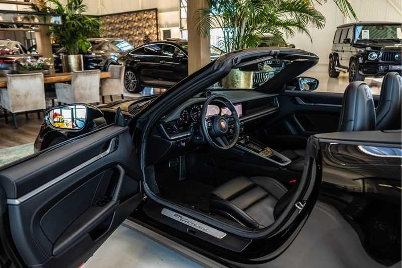 Porsche 911 Cabrio 3.0 Carrera S |Sport Chrono | Sportuitlaat | PDLS | GT-sportstuurwiel | Entry & Drive afbeelding 3