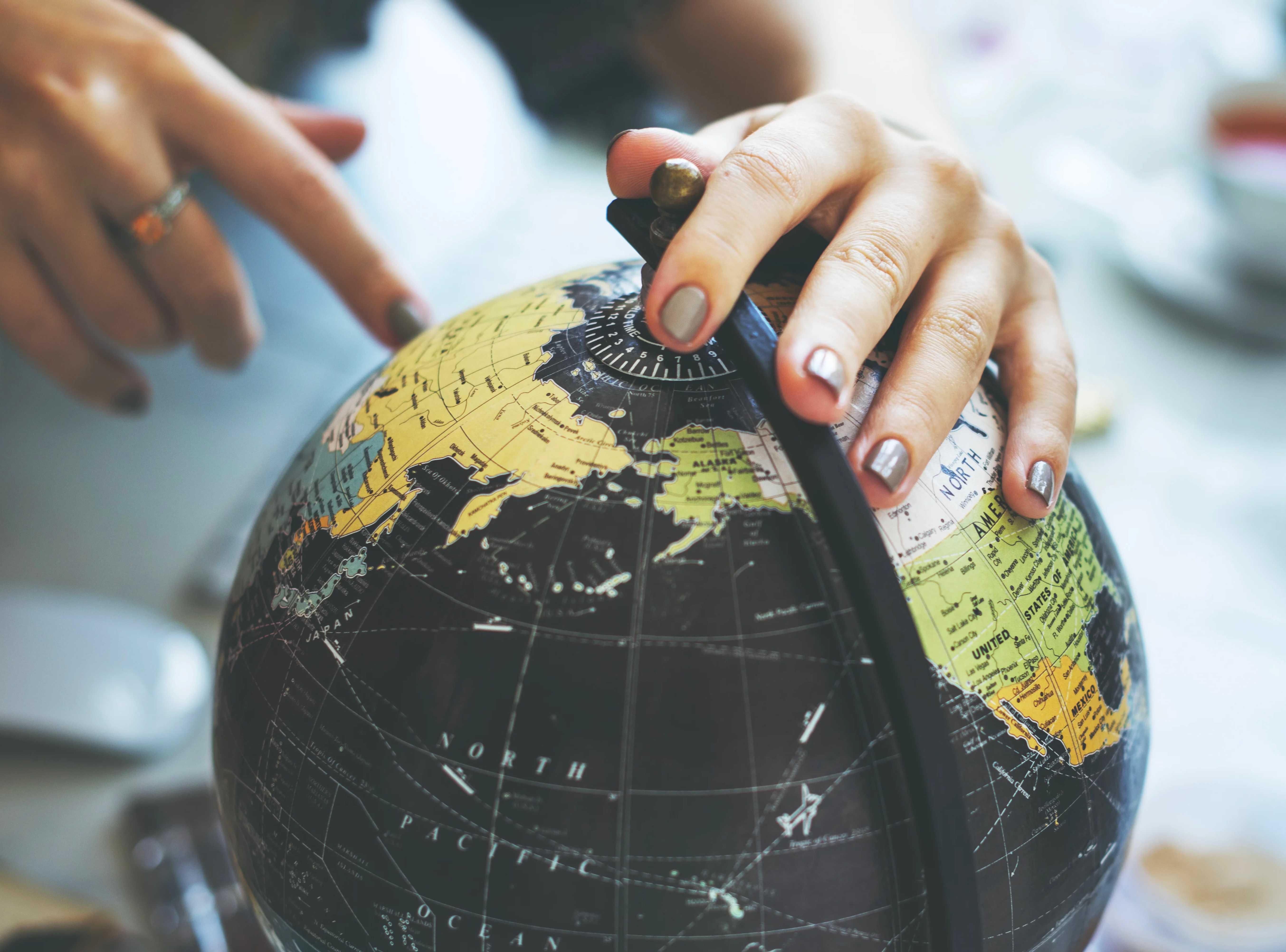 Accruent - Resources - Webinars - Around the World in 80 Leases - Hero