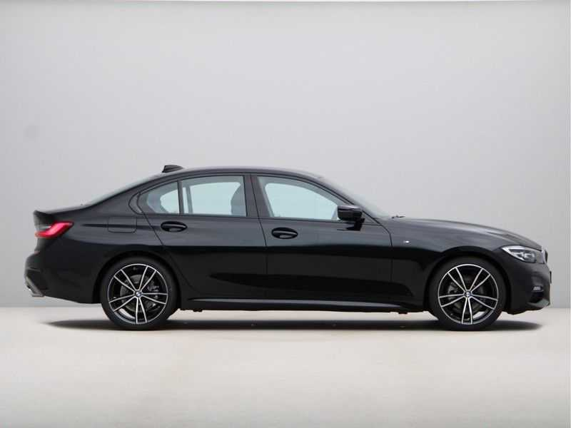 BMW 3 Serie 320i High Exe M-Sport Aut. afbeelding 3