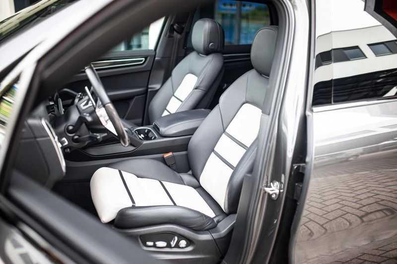 "Porsche Cayenne 3.0 E-Hybrid *Pano / BOSE / Massage / Stoelventilatie / 22"" / ACC / Sport Chrono* afbeelding 10"