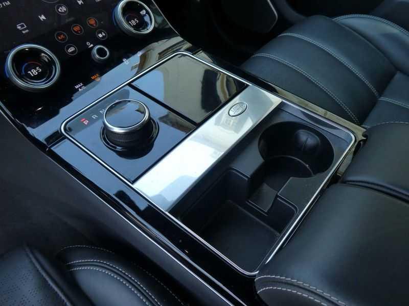 Land Rover Range Rover Velar 3.0 V6 SC AWD R-Dynamic HSE afbeelding 24