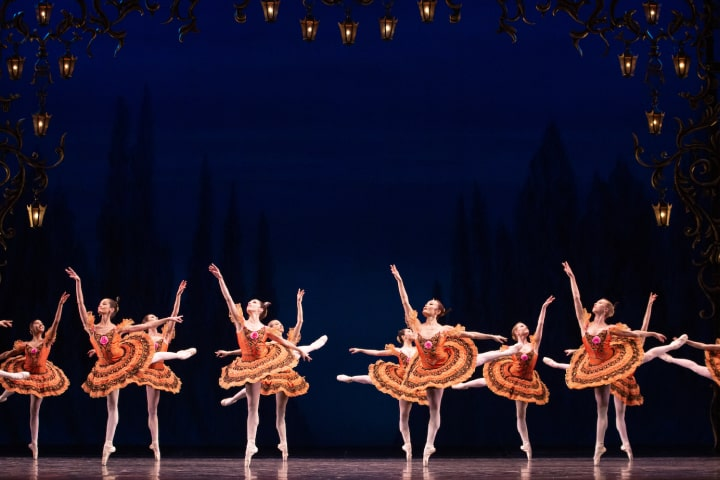 """Robert Thomson's lighting design for the National Ballet of Canada's production of """"Paquita""""."""